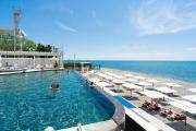 luchezarny-resort_pool_01